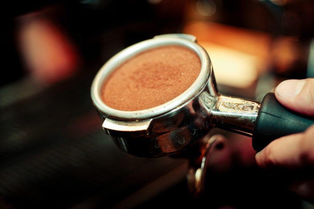 Приготовление эспрессо: правильное использование темпера